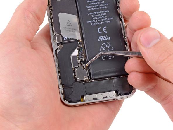 Как заменить батарею айфон 4